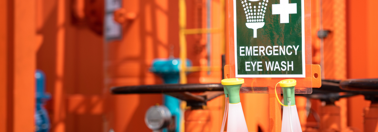 5 THINGS TO KNOW ABOUT EMERGENCY EYEWASH STATIONS